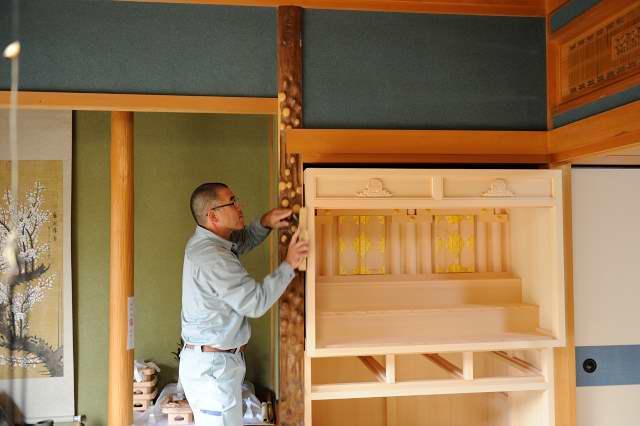 御霊舎施工例12 別誂え御霊舎の削り合わせ