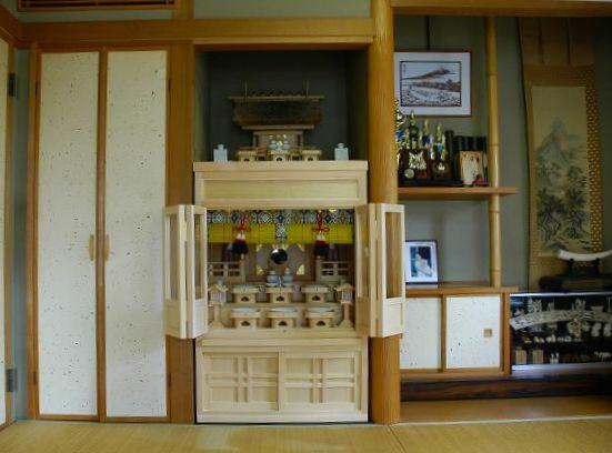 3尺型御霊舎の上部に神棚をお祀り
