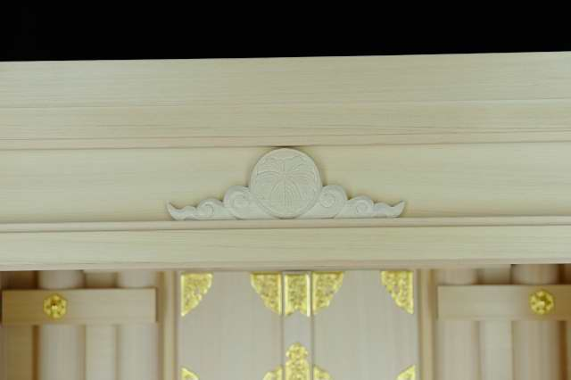 3尺型御霊舎 下部引戸 家紋彫刻