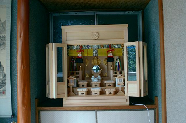 5尺型御霊舎にガラス建具