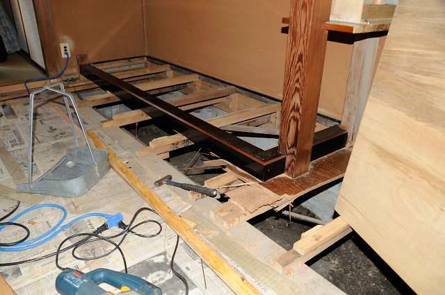 御霊舎施工例6 下地施行 床板貼替え