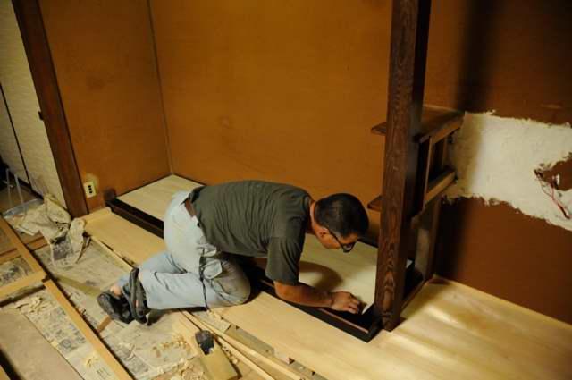 御霊舎施工例6 床板貼り