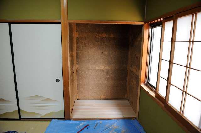 御霊舎施工例5 下地製作 床板桧貼り