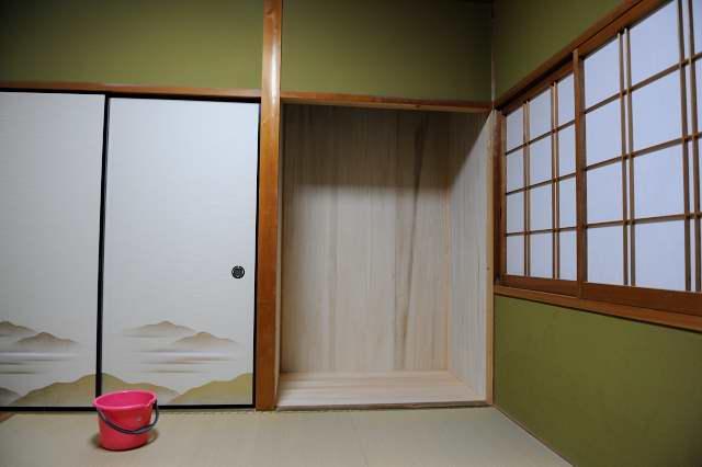 御霊舎施工例5 下地製作 壁桐板貼り完成