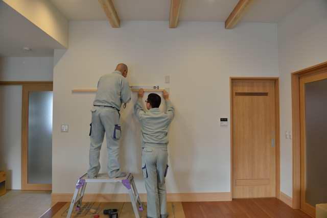 施工例12 格子付棚板の取付 棚受の取付