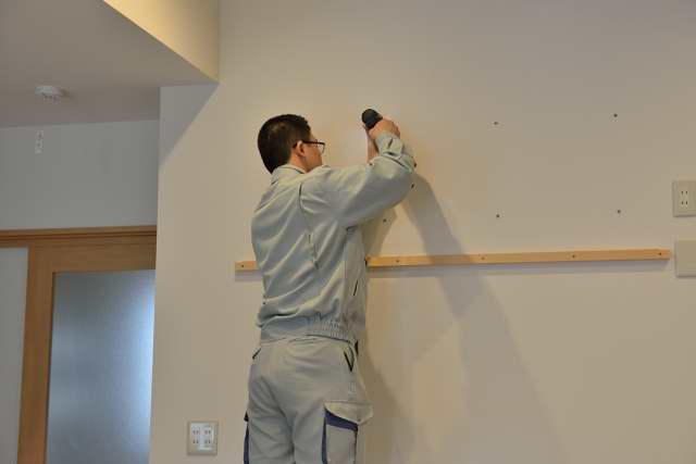 施工例12 格子付棚板の取付 石膏ボード用アンカー取付