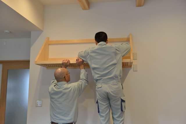 施工例12 格子付棚板の取付
