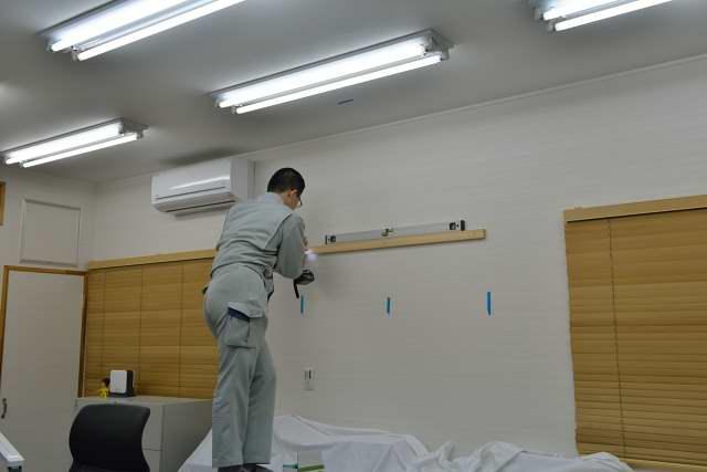 施工例13 雲板付格子棚板の取付 棚受けの取付