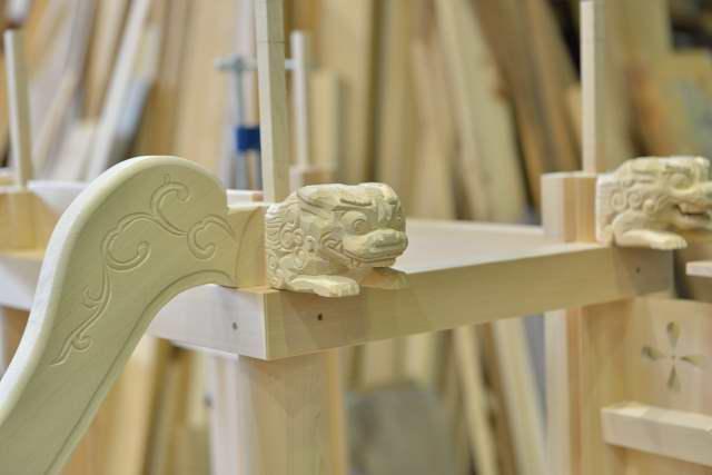 稲荷宮 尺5 升組 本柱の獅子彫刻