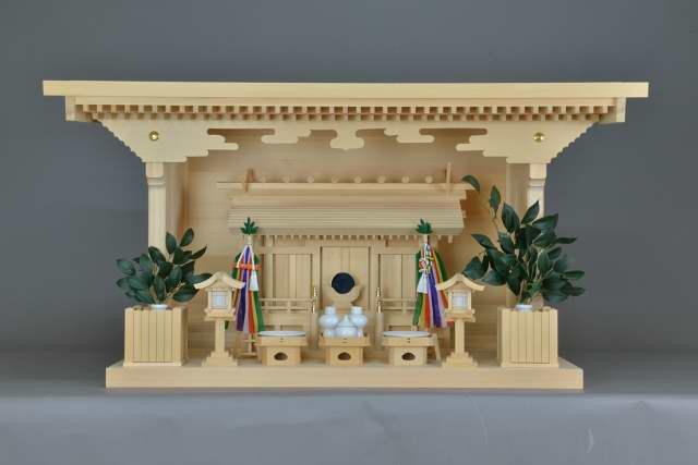 施工例14別誂えの棚板および神棚の取付 厚屋根通三社宮(中)