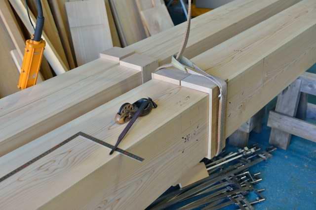 施工例15冠木門の製作 本柱墨付け