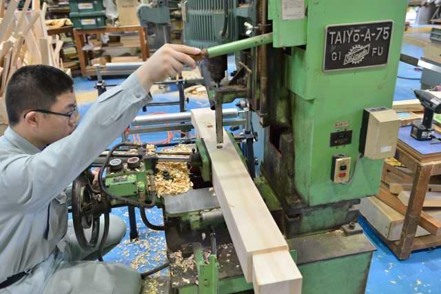 施工例15冠木門の製作 貫加工