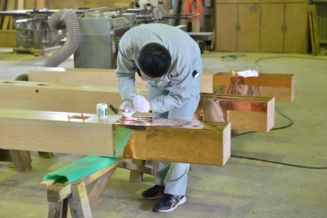 施工例15冠木門の製作 柱の根巻き