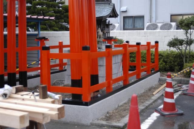 稲荷玉垣の組立 込み栓