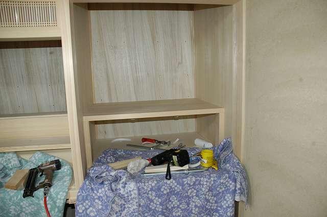 御霊舎施工例2 神棚の床貼り