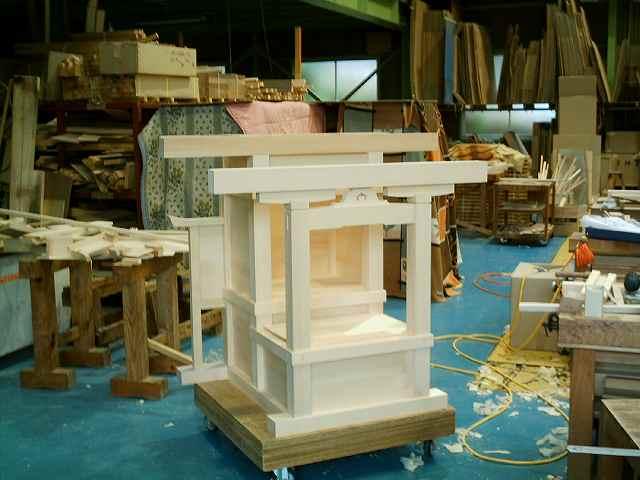略式流れ造宮 2尺 向拝柱取付