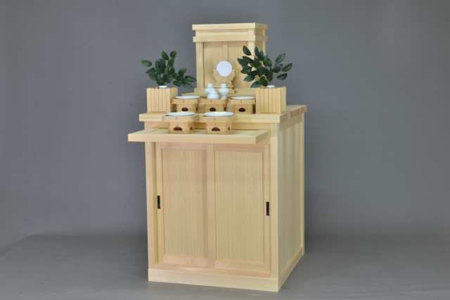 霊舎台と小型御霊舎