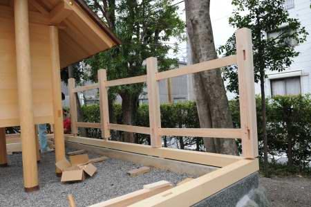 玉垣土台と柱仮組み