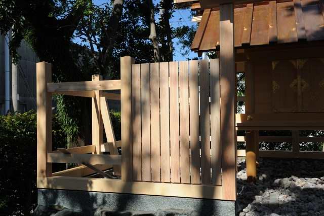 玉垣の垣板貼り