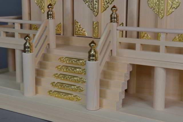 茅葺屋根通三社宮(小)の階段