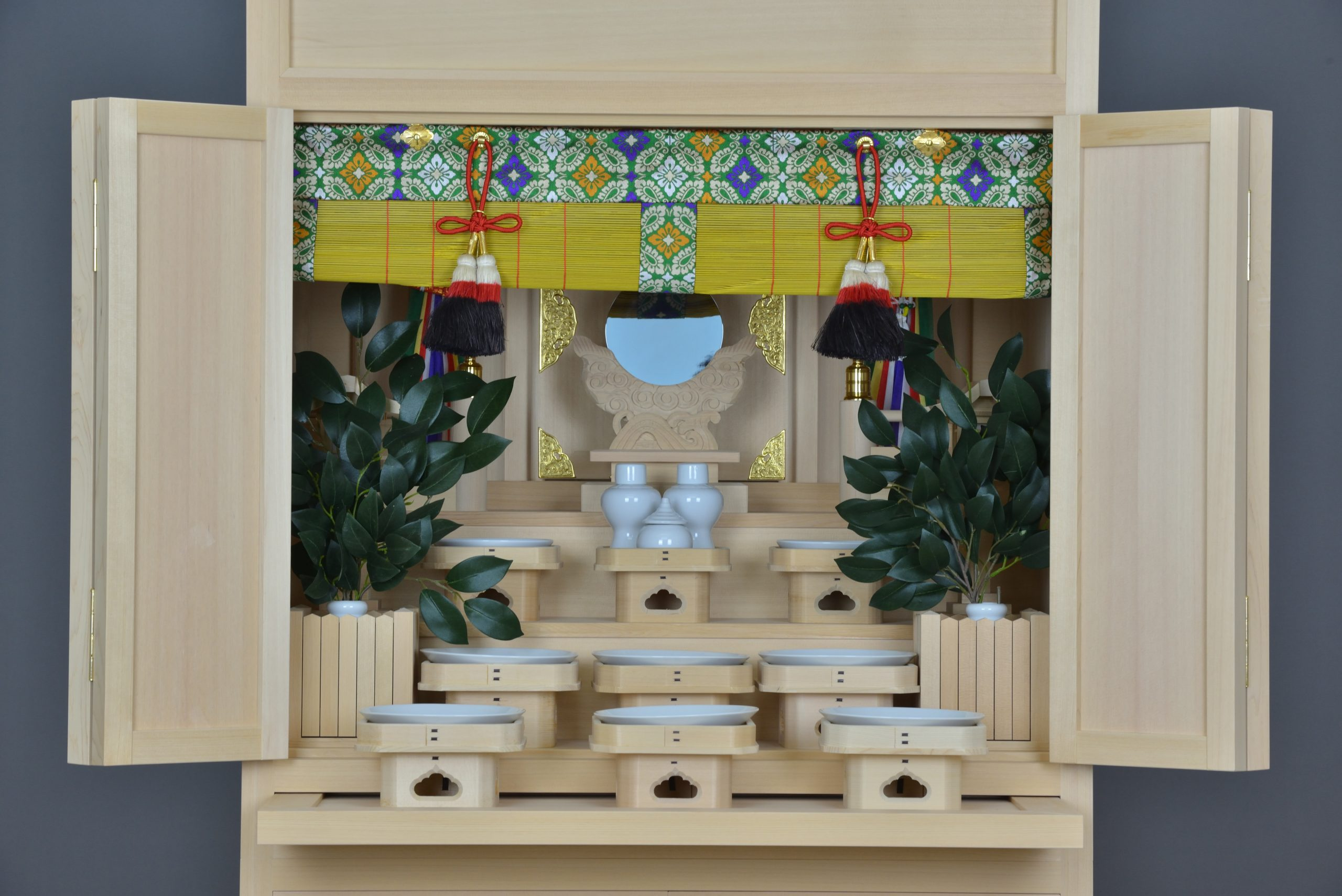 御霊舎6尺型 引出付に造花榊