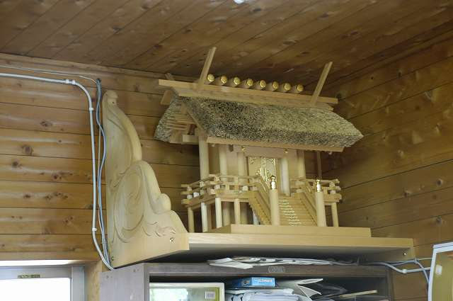 彫刻付き棚板