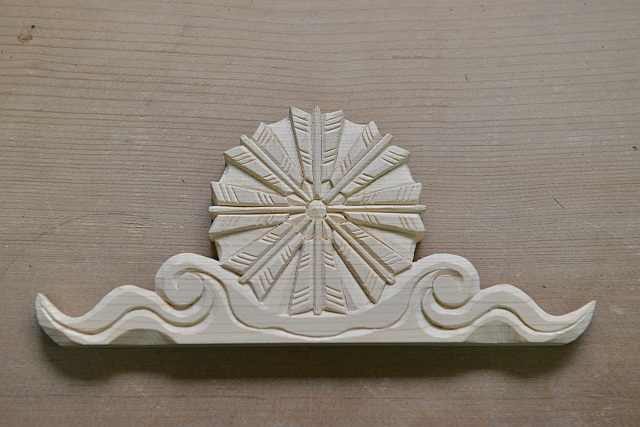 家紋彫刻 八つ矢車