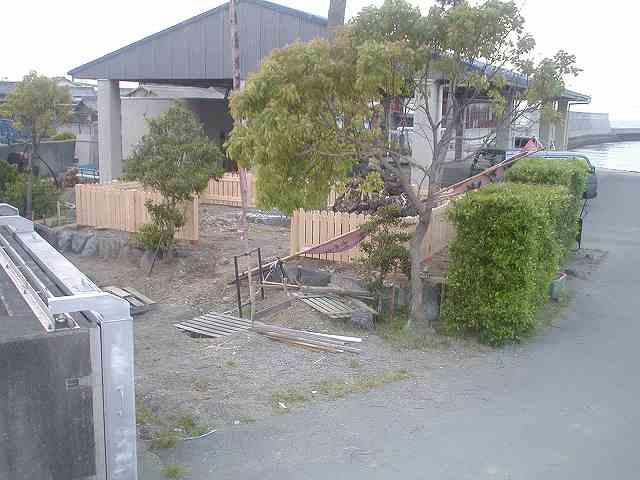 桧の無塗装玉垣
