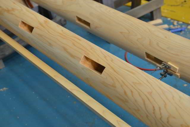 両部鳥居の本柱の丸め加工