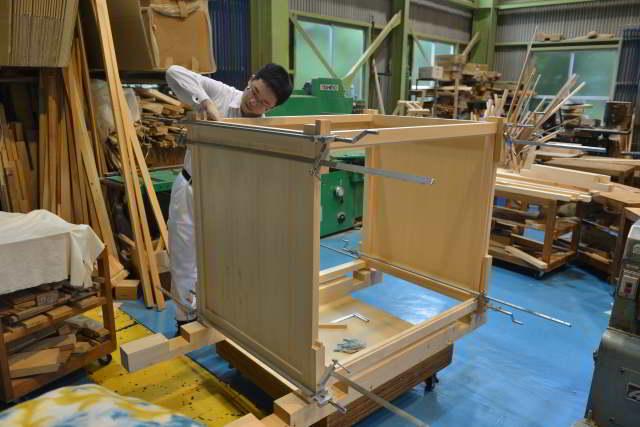 御霊舎施工例16 御霊舎の製作 箱組